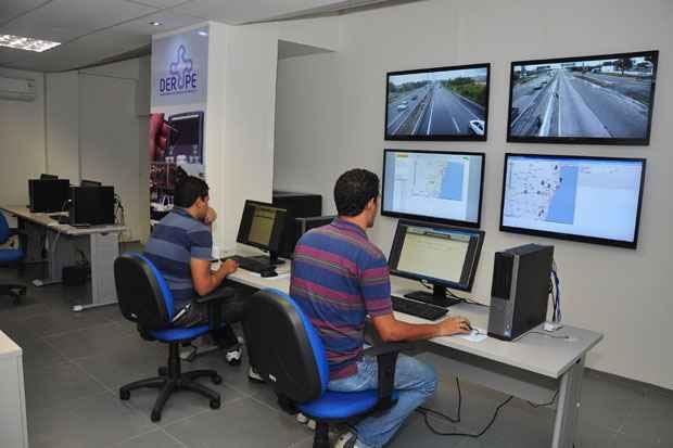 Ao todo, as sete câmeras instaladas nas PE-60, PE-05, PE-15, PE-22 e BR-232 nesta fase inicial. Foto: Renato Vieira/DER-PE