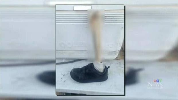 Imagen mostrada por CTV News del pie encontrado