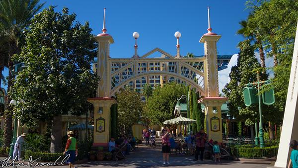 Disneyland Resort, Disney California Adventure, Paradise Pier, Viva Navidad, Decorations