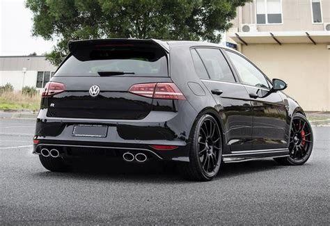 SAVAGE Black on Black Golf Mk7 R!