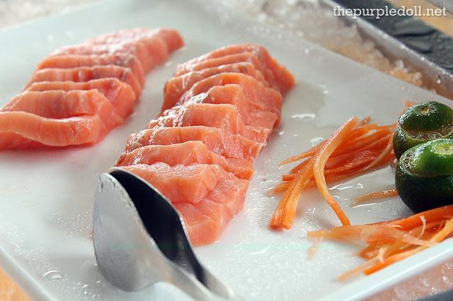 17 Salmon Sashimi