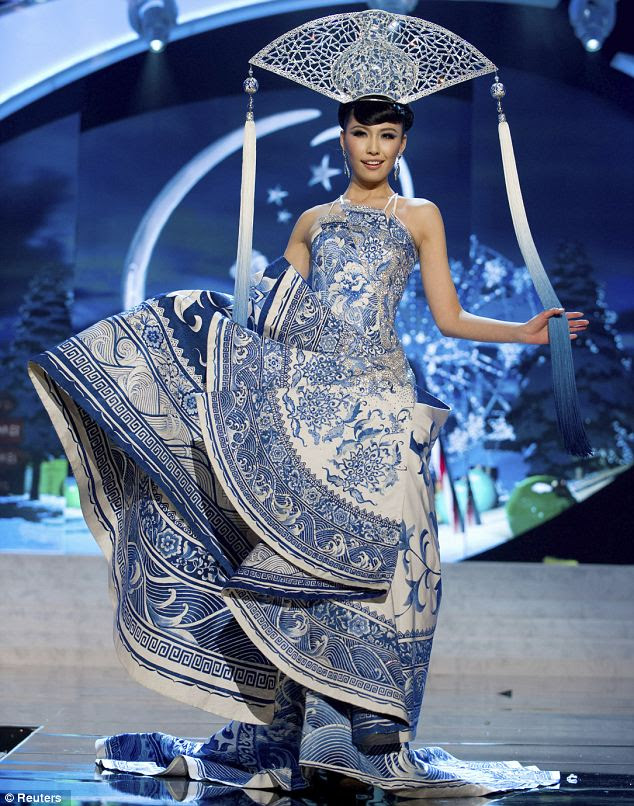 Miss China: Xu Jidan honored the Ching dynasty with its embroidered lotus flowers and dragons