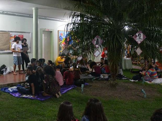 Estudantes ocupam reitoria da UESB, em Vitória da Conquista (Foto: Blog do Anderson)