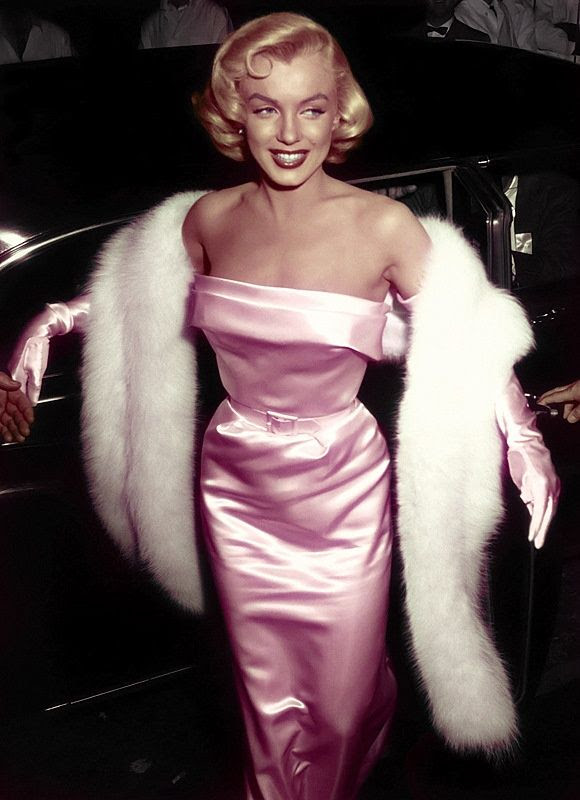 Marilyn Monroe-Pretty in Pink
