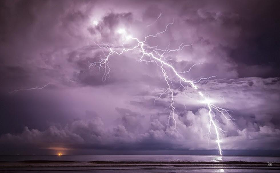 Как и почему возникает молния
