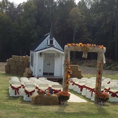 Tiny Chapel Weddings   Small, intimate, affordable