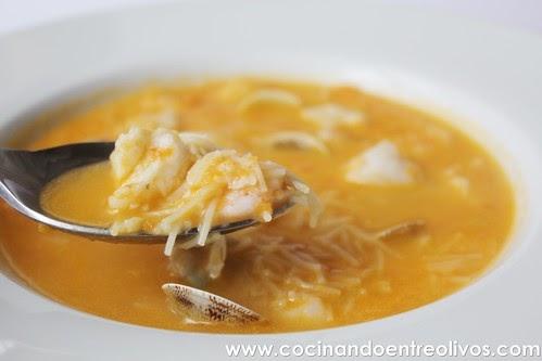 Cocinando entre olivos sopa marinera con fideos paso a paso - Cocinando entre olivos ...