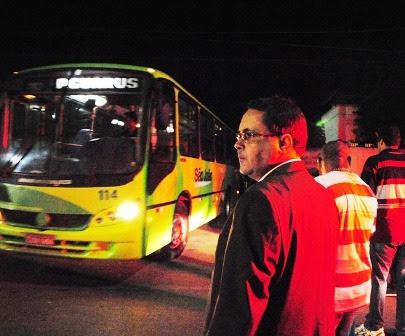 Marcelo Lessa ônibus capa
