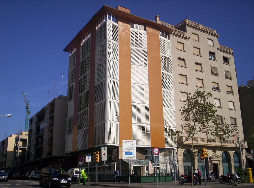 Edificio en la barceloneta josep antoni coderch tecno haus - Apartamentos en la barceloneta ...