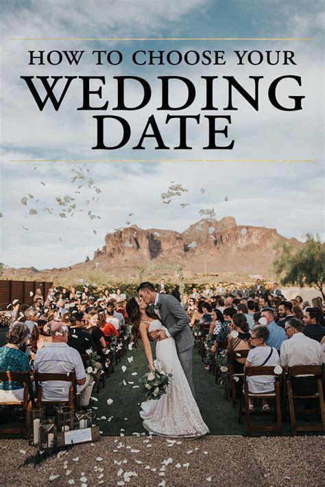 How to Choose Your Wedding Date   Junebug Weddings