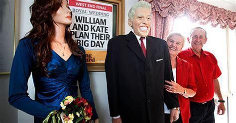 Royal wedding: Australian woman makes home made models of