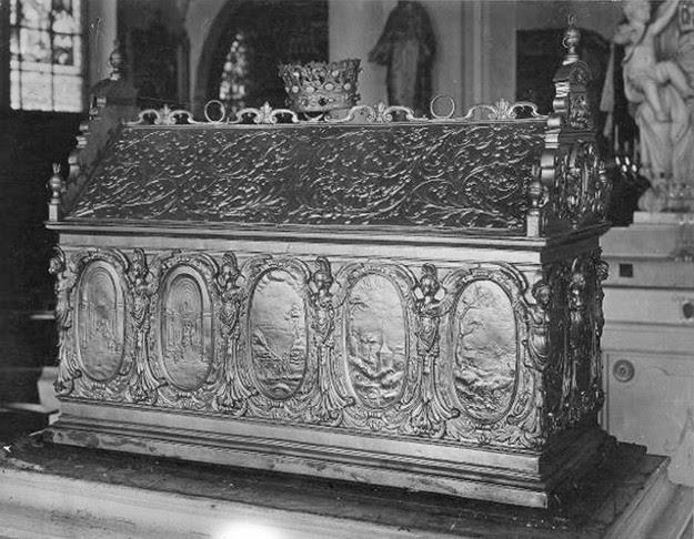 Urna con las reliquias de los Santos conservada en Wavre, Bélgica.