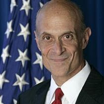 Michael_Chertoff,_official_DHS_photo_portrait,_2007