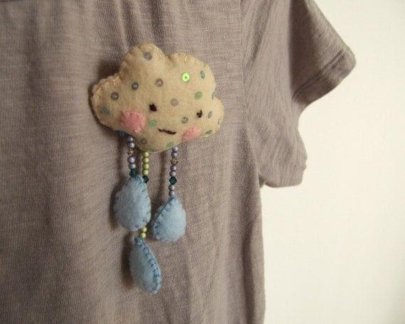 Trippy cloud raindrops - brooch