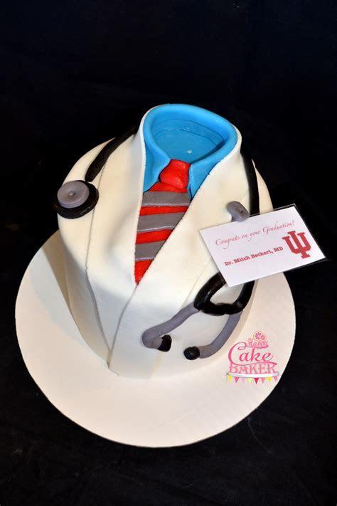 Dr Grad Cake ? Happy Cake Baker