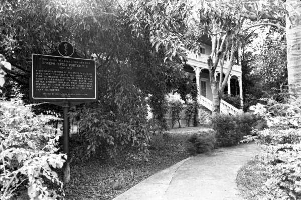 "House of ""Dr. J.Y. Porter"", the first health officer for the State of Florida, on Caroline Street, Key West, Florida."