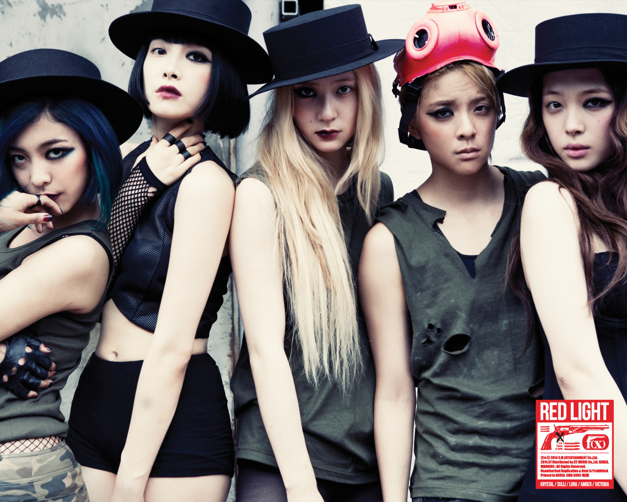 Official 140710 F X Red Light Wallpapers 3p F