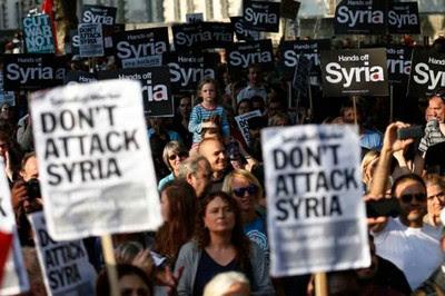 Centenares de manifestantes en Londres rechazaron la actitud belicista contra la nación siria