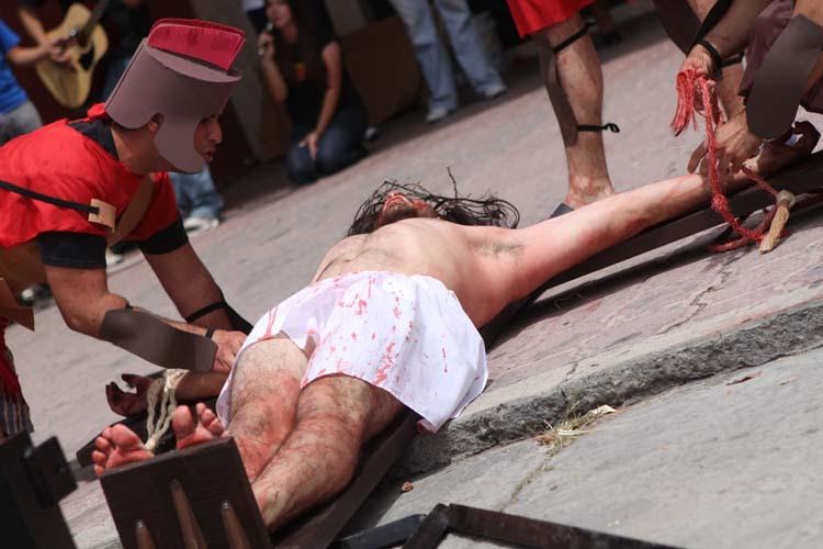 A la cruz