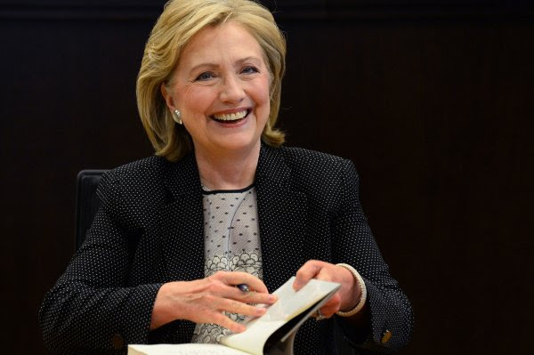 http://cdnph.upi.com/collection/fp/upi/8455/8102174342e250d3968c45db1580f42b/Hillary-Clinton-Signs-Copies-of-her-New-Book-in-Los-Angeles_1_1.jpg