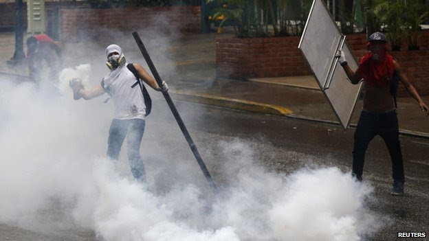 Anti-government protest in Caracas, 8 May 2014