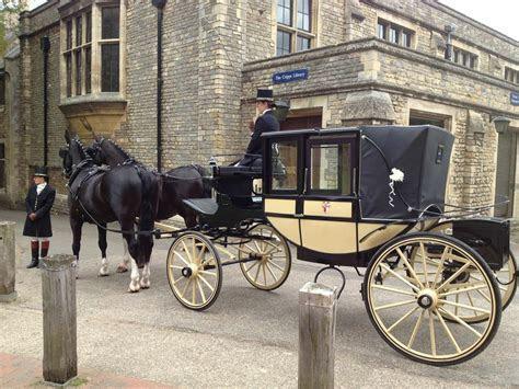 Horse & Carriage Hire   Prestige & Classic Wedding Cars