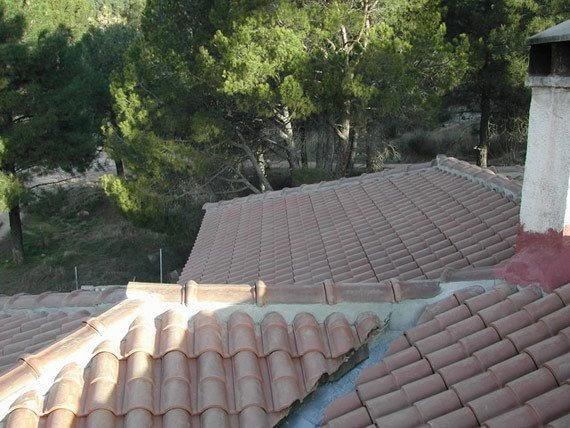 Para nuestra familia reparacion de tejados y cubiertas for Tejados galicia