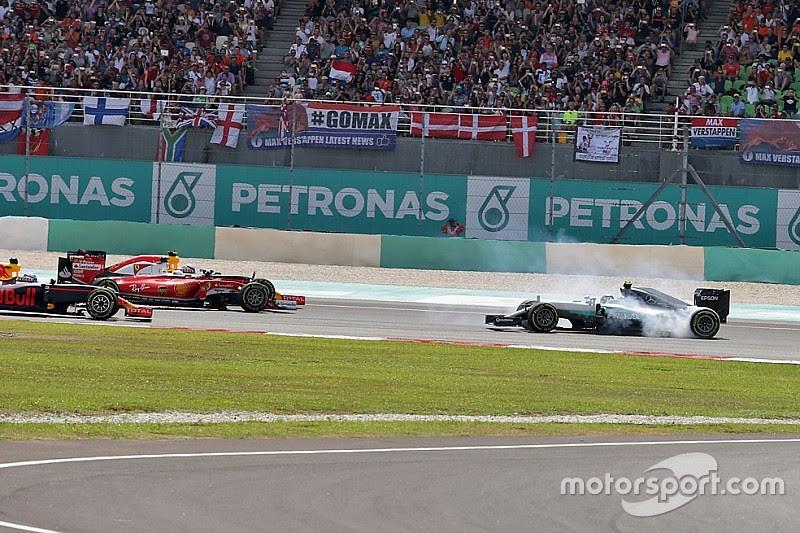 """Rosberg: """"achei que tudo tinha terminado na curva 1"""""""