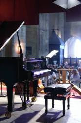 Cordes sur Ciel : L'église Saint Michel pendant l'enregistrement d'une émission de France-Musique