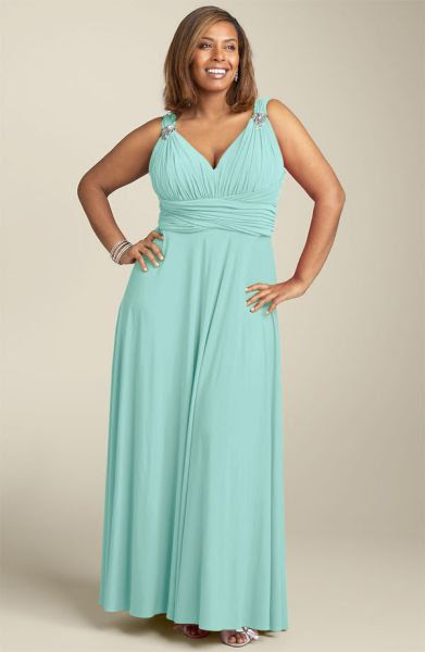 Plus size evening maxi dresses