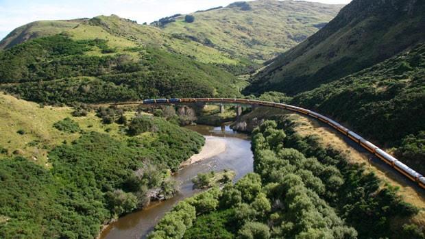A ferrovia começou a ser construída em 1887, e funciona atualmente para passeios turísticos (Foto: Dunedin Railways/Divulgação)