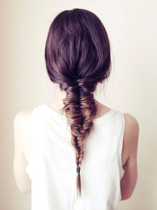 Le Fashion Blog -- 30 Inspiring Fishtail Braids -- Messy Brown Braid Hair Style -- Via Vogue Australia -- photo 1-Le-Fashion-Blog-30-Inspiring-Fishtail-Braids-Messy-Brown-Braid-Hair-Style-Via-Vogue-Australia.jpg