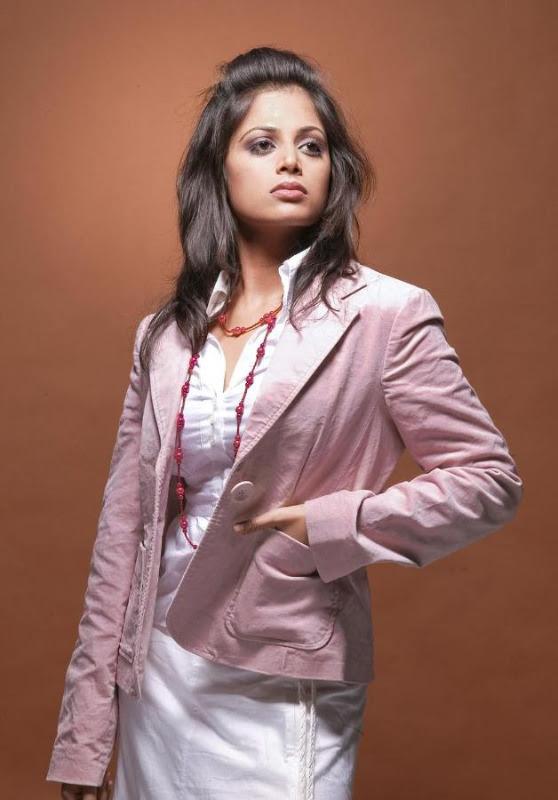 sindhu menon latest hot photo shoot stills 05 Sindhu Menon Latest Hot Photo Shoot Stills