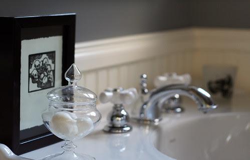 Skull print in the bathroom