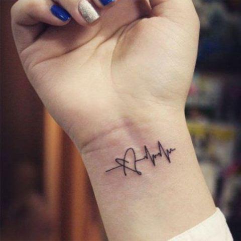 Ideas Para Tatuajes Línea De La Vida Y Signos Vitales Tatuajes