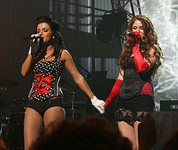 Tatu at VivaComet 2008 (cropped).jpg