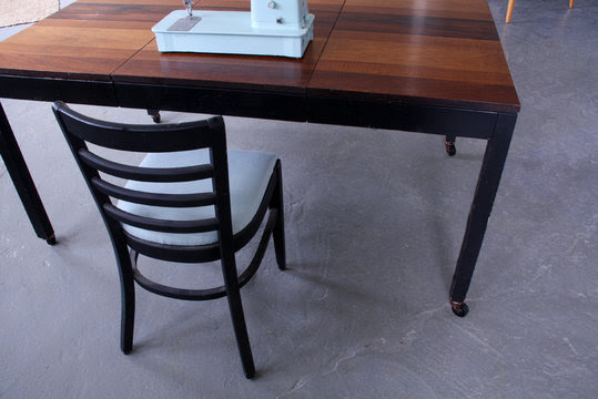 Repurposed Kitchen Table Becomes a Rolling Work Table ...