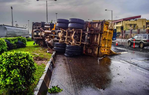 Loaded Truck Tumbles Along Ojuelegba Road