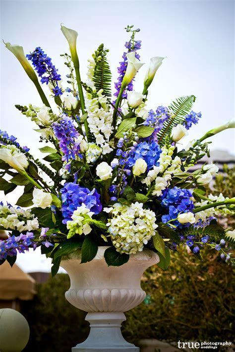 blue flower wedding centerpieces     blue delphinium