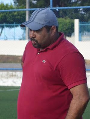 Técnico Carlos Júnior reassumiu o comando do clube (Foto: Felipe Martins/GLOBOESPORTE.COM/SE)