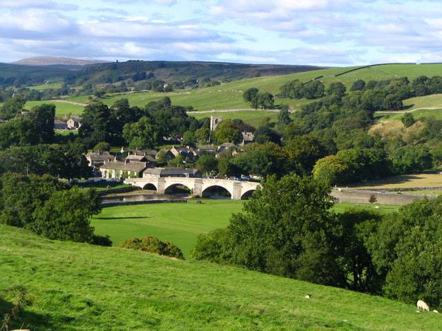 File:Burnsall Village from the Barden Road - geograph.org.uk - 946841.jpg
