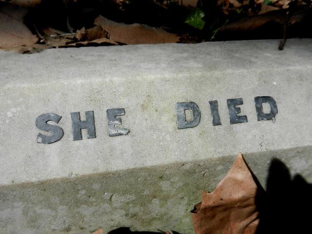 Highgate Cemetery_17
