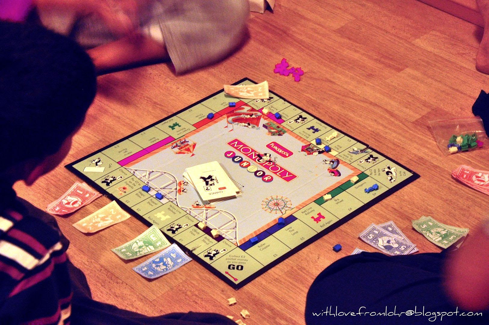24.01.12, The kids introduced Monopoly to their aunt!! Apparently she always won...:D