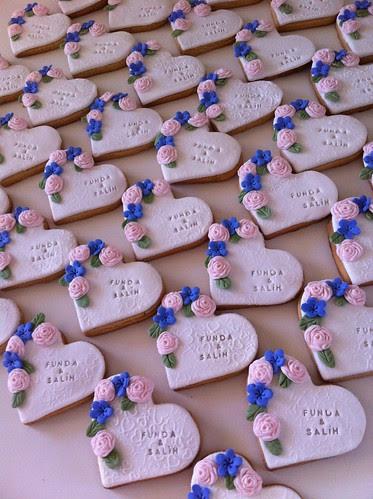 Wedding cookies by guzinhakan