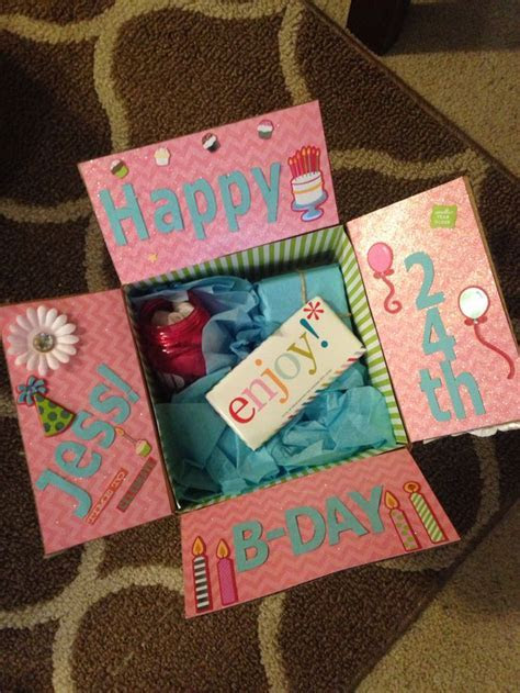 Best friend birthday box! Decorate the inside of the box