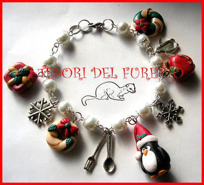 "Bracciale ""Natale 2013 Pinguino e co.  Mod.3"" Charm Natalizi pandoro fimo cernit kawaii"