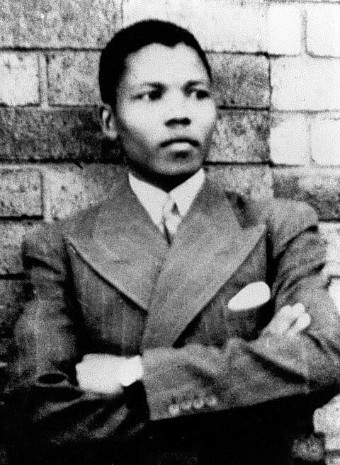 Ficheiro:Young Mandela.jpg