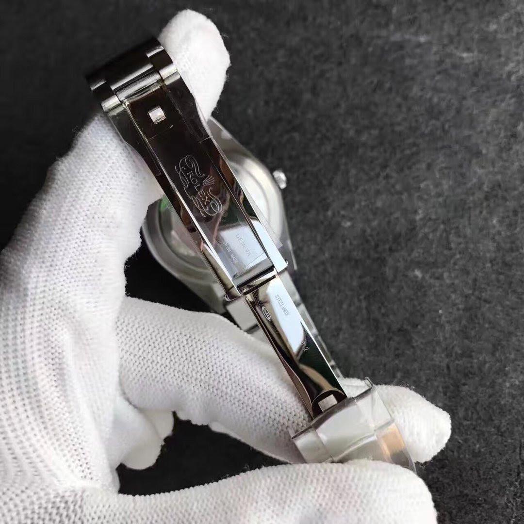 Replica Rolex Oyster Perpetual 114300 Clasp
