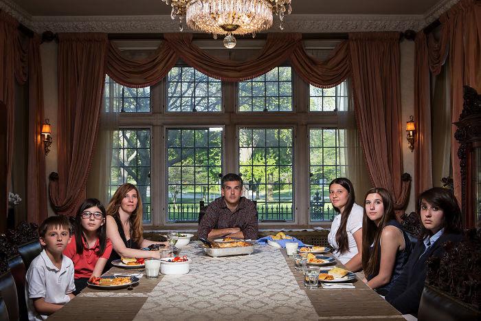 Martes: Alex, Sophia, Kathy, David, Claudia, Eva & Ana
