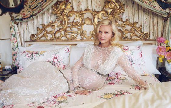 Кирстен Данст объявила о своей второй беременности, снявшись для обложки журнала W Magazine